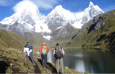 Trekking cordillera Huayhuash Peru